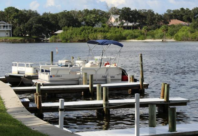 Florida Fishing near Hickory Point RV Park - boats docked